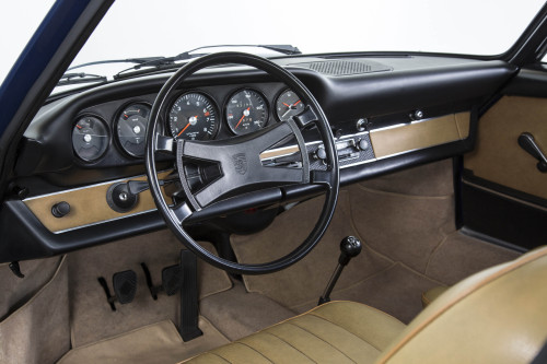 01-Porsche-Classic-dashboard2