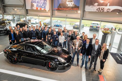 01-Prestigieuze-onderscheidingen-voor-Nederlandse-Porsche-Centra
